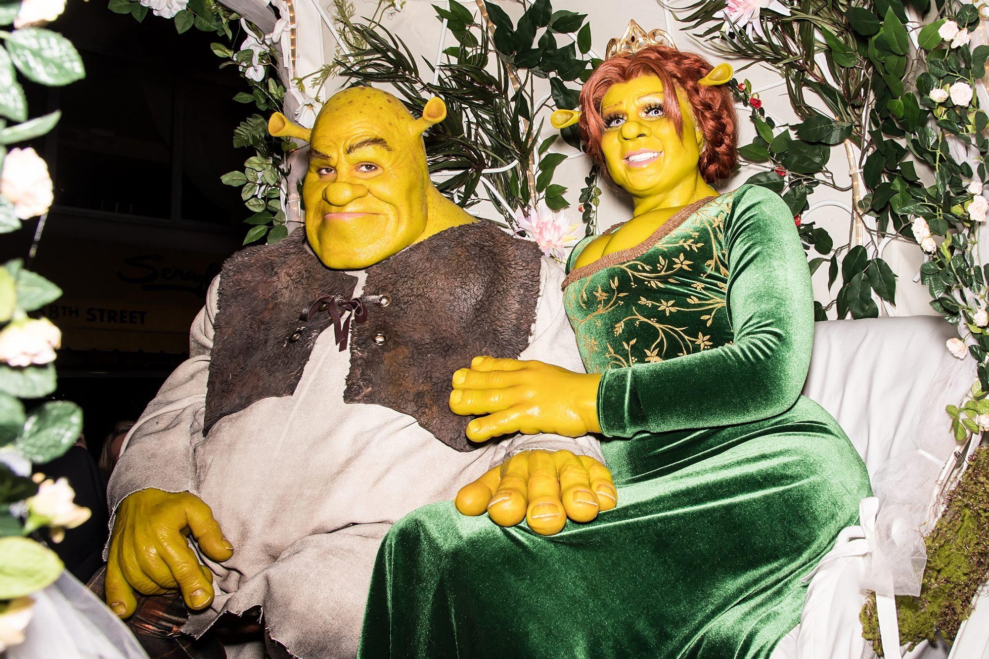 Heidi Klum Wins Halloween With Shrek And Fiona Couples Costume Ew Com