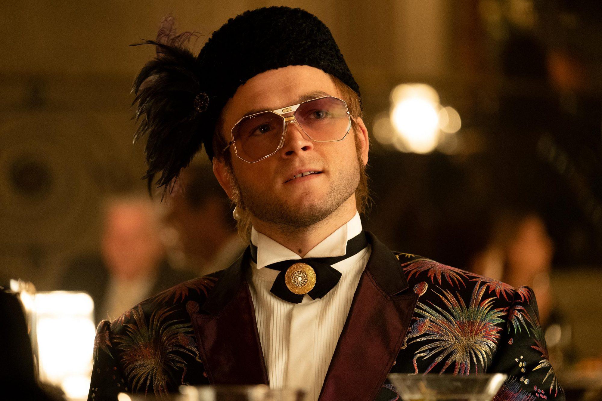 Rocketman Review Elton John Biopic Offers Razzle Dazzle Filmmaking With Heart Ew Com