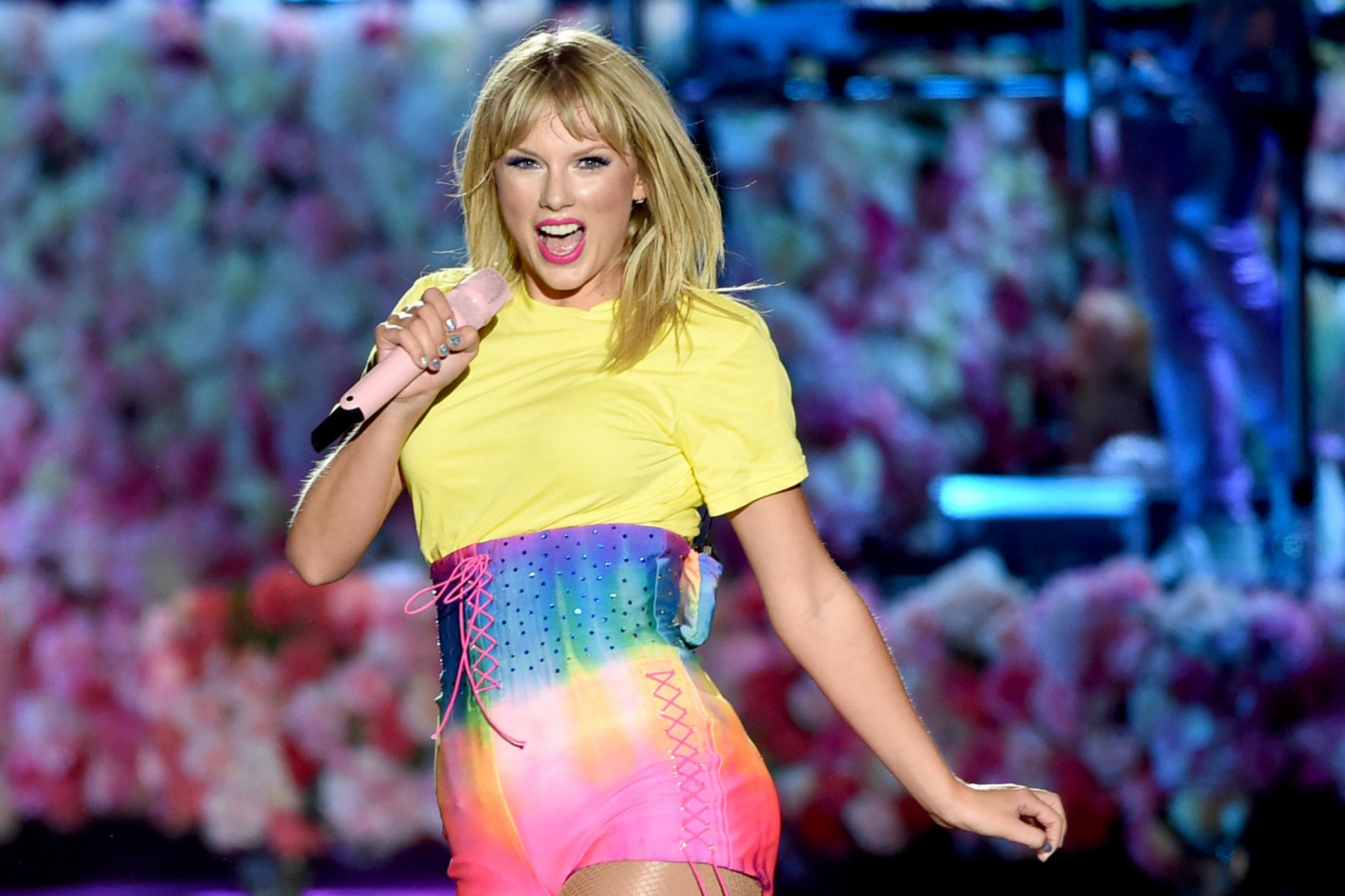 Lover Taylor Swift S Lyrics About Colors Ew Com