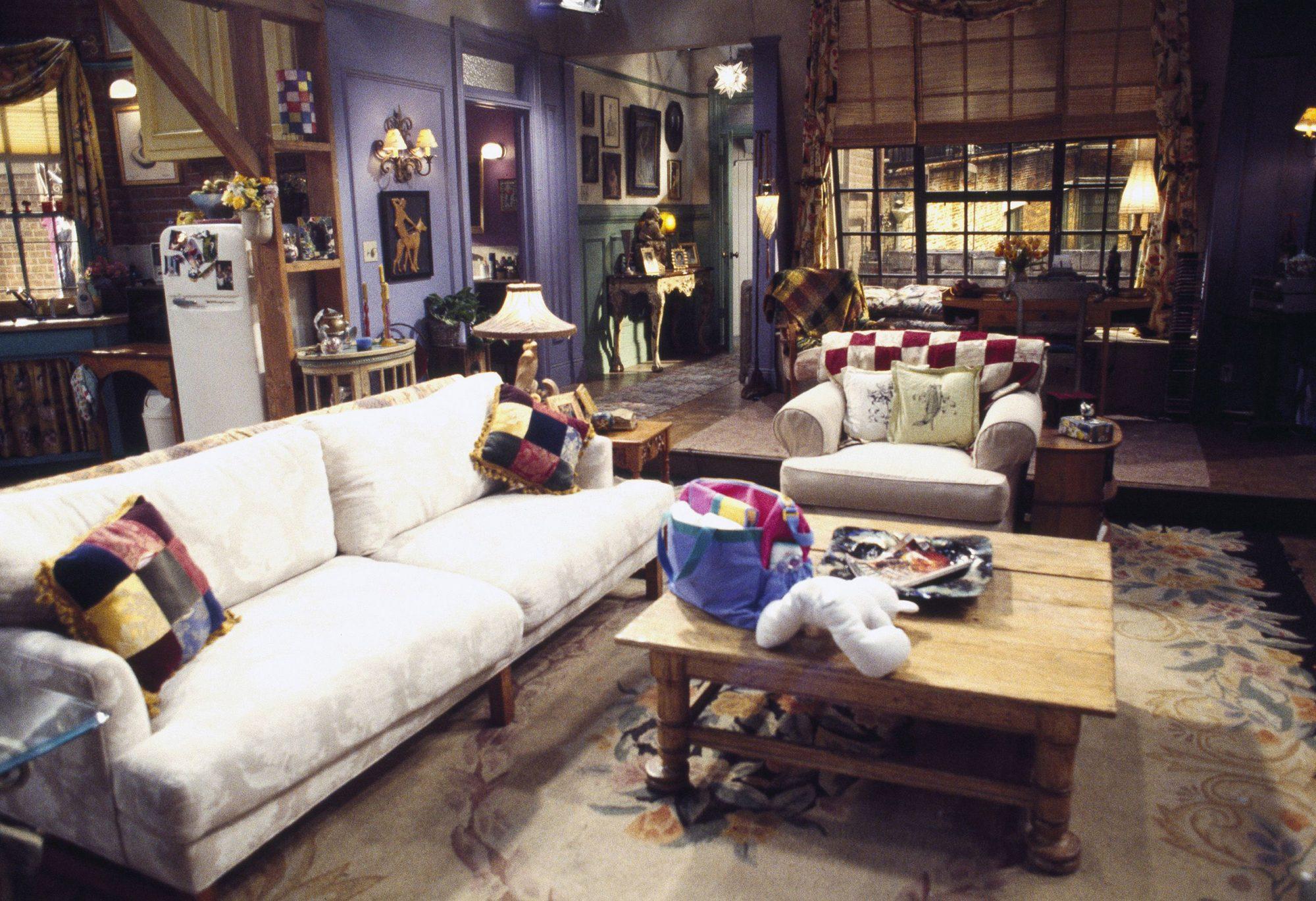 Friends Set Decorator Shares Secrets Of The Show Ew Com