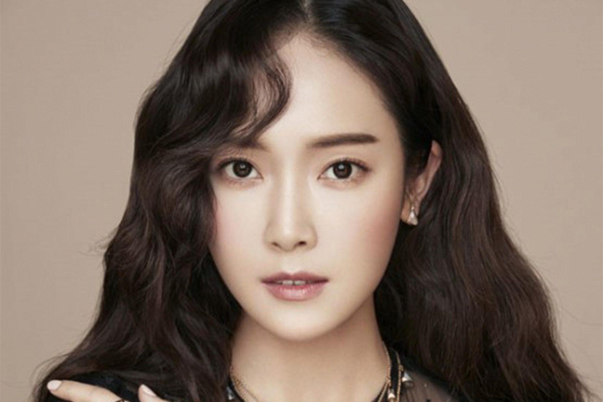 K-pop star Jessica Jung to publish YA novel Shine | EW.com