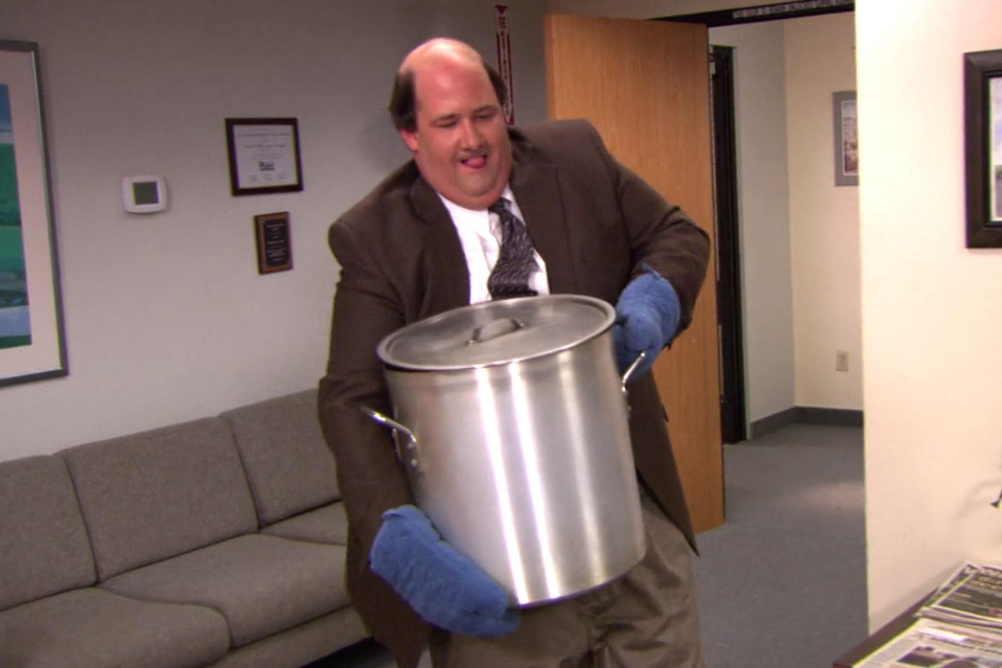 Here S How To Make Kevin S Famous Chili From The Office Ew Com