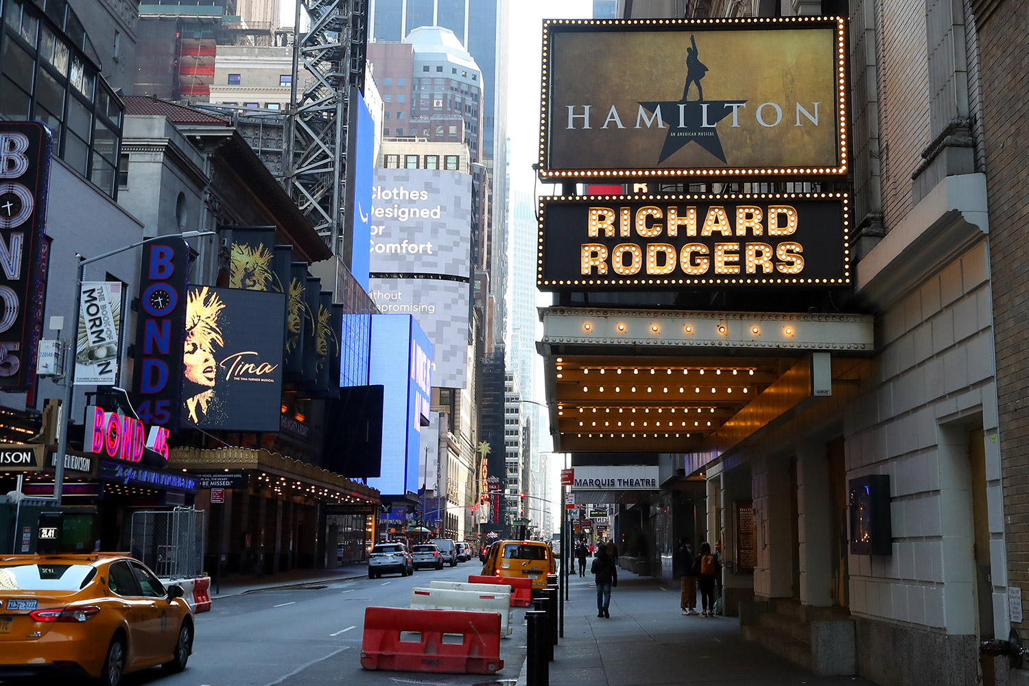 Broadway shutdown extends to June amid coronavirus pandemic | EW.com