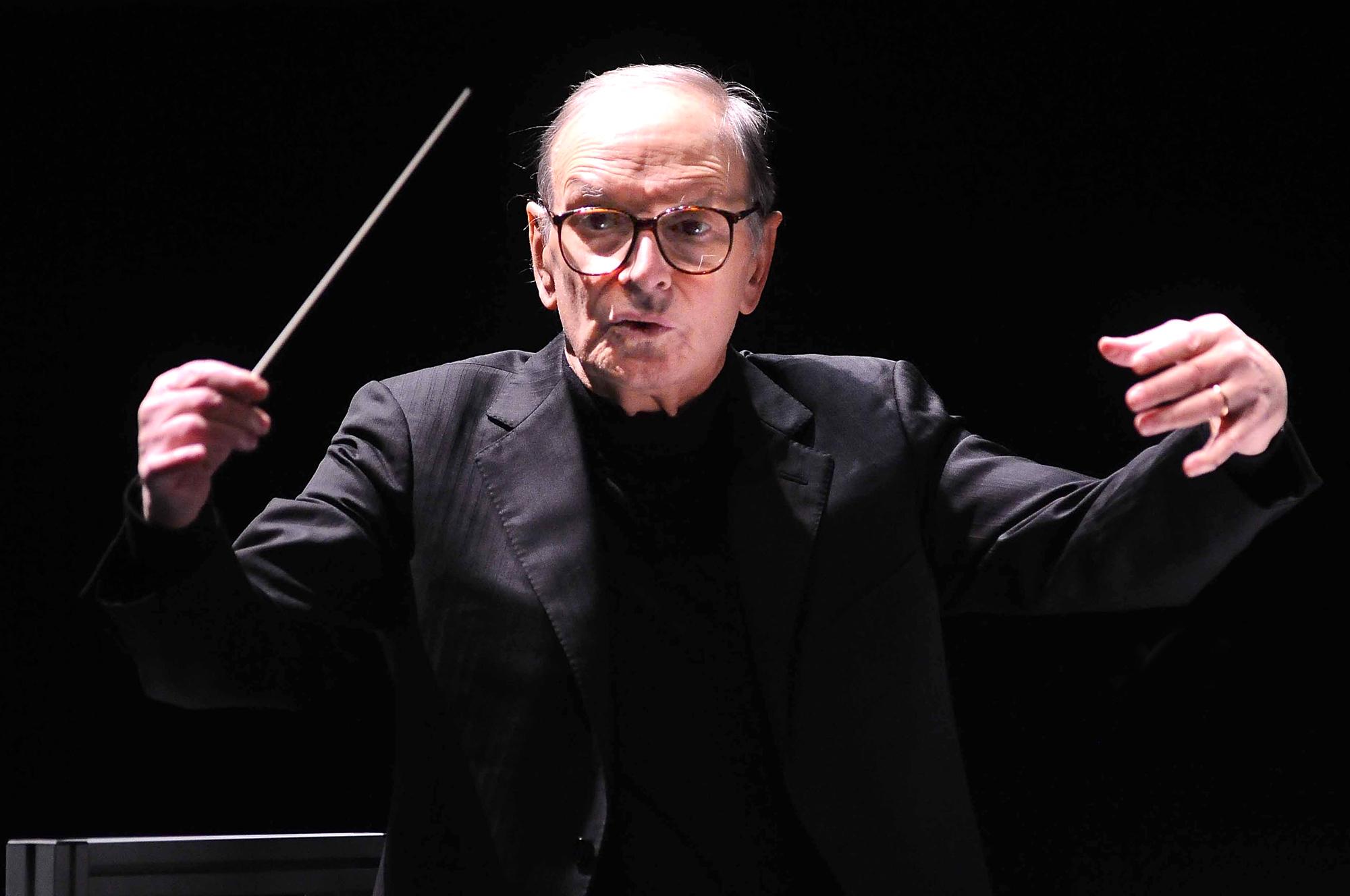 Ennio Morricone dead: Oscar-winning composer dies at 91 | EW.com