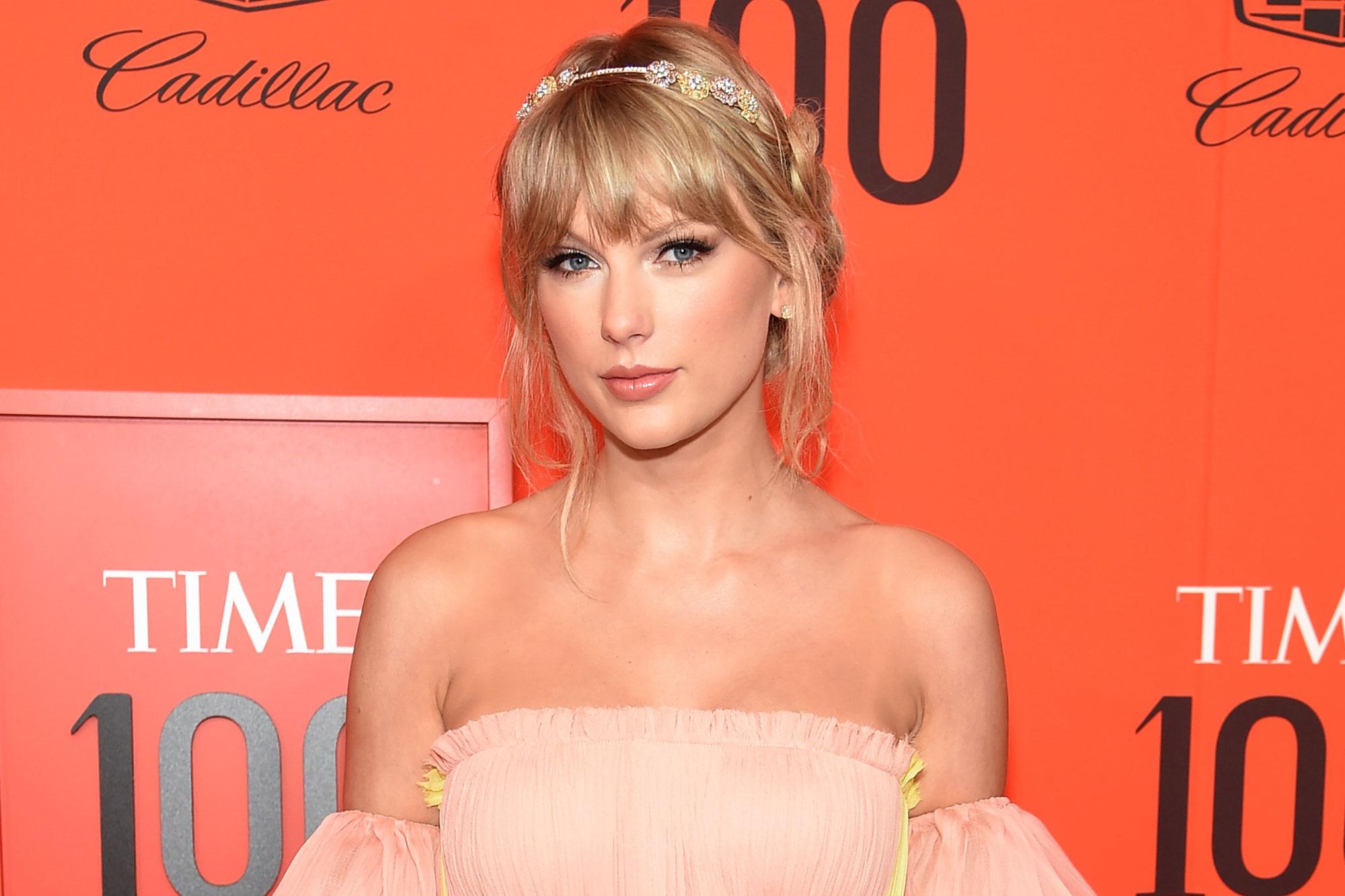 Taylor Swift S New Album Folklore Breaks New Record Ew Com