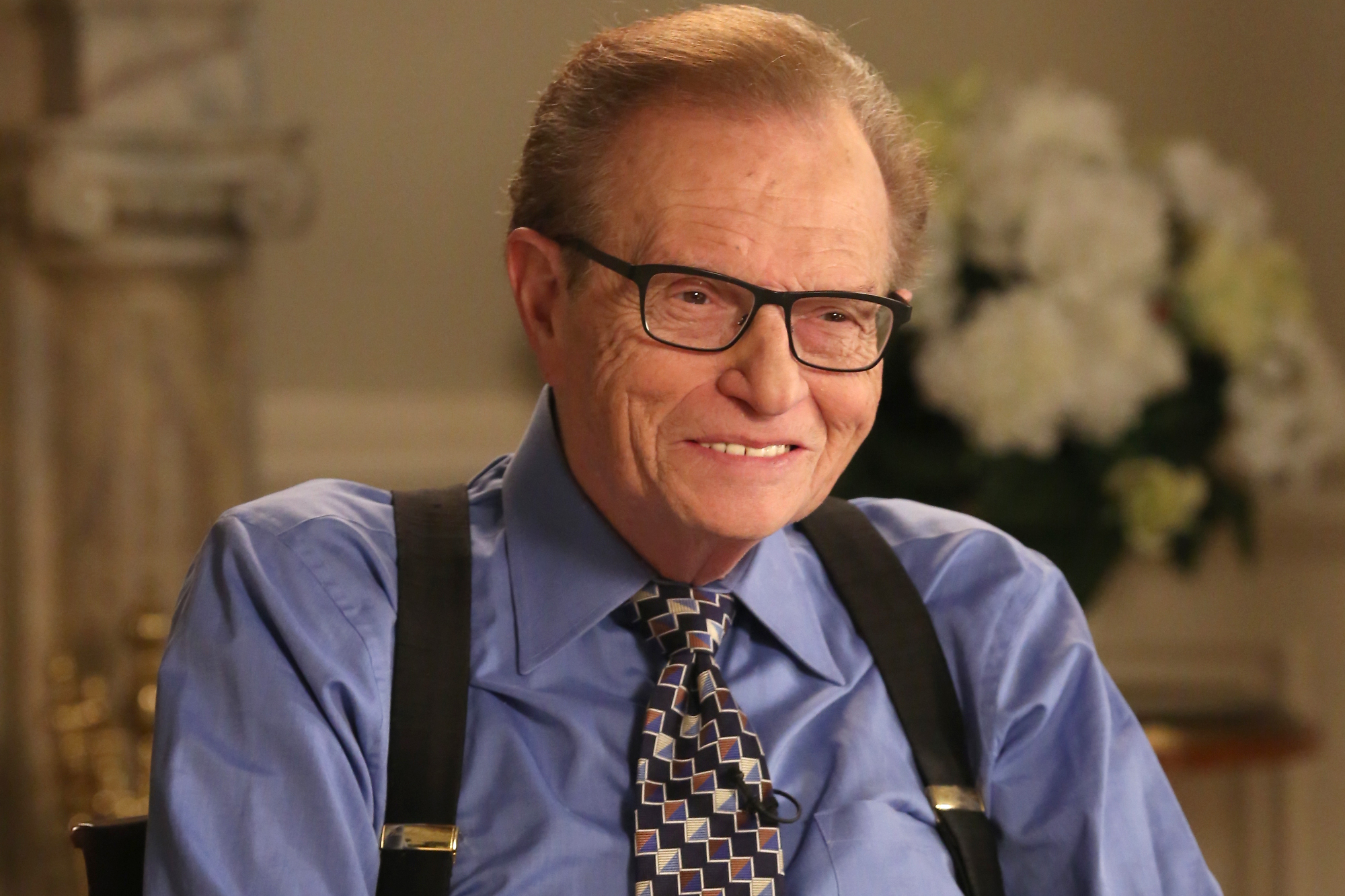 Stars remember Larry King | EW.com