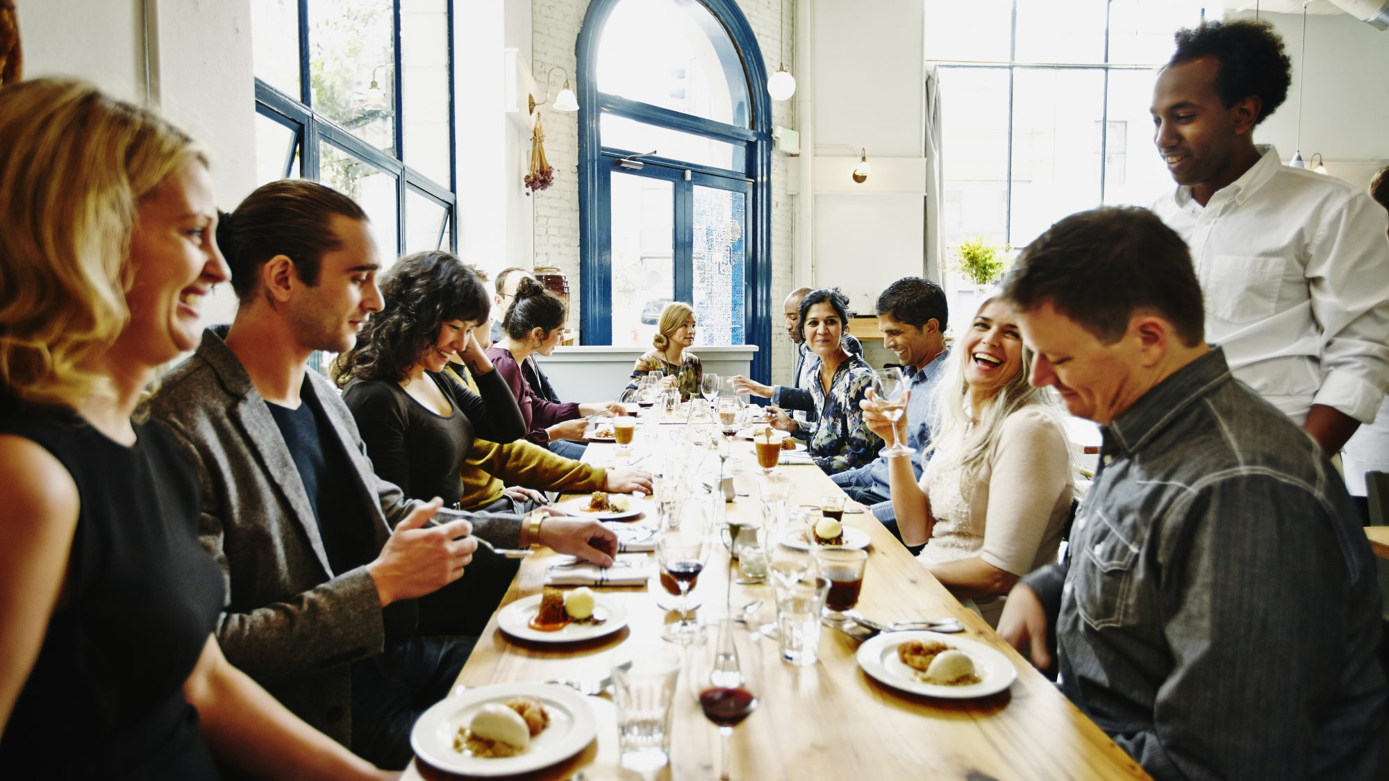 What You Should And Shouldn T Do When You Go Out To Dinner With A Big Group Food Wine
